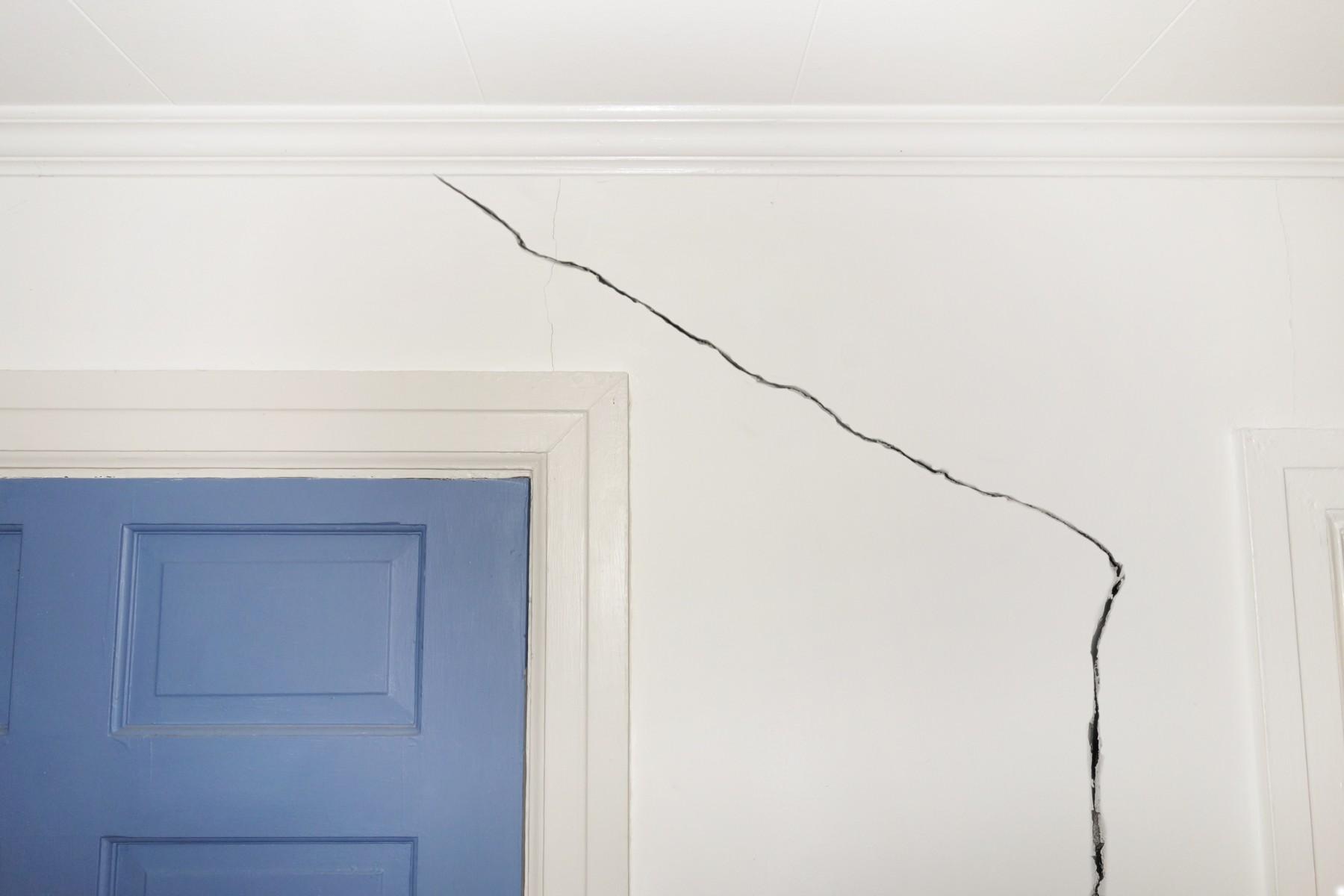 Rachaduras nas paredes: saiba quando você deve se preocupar!